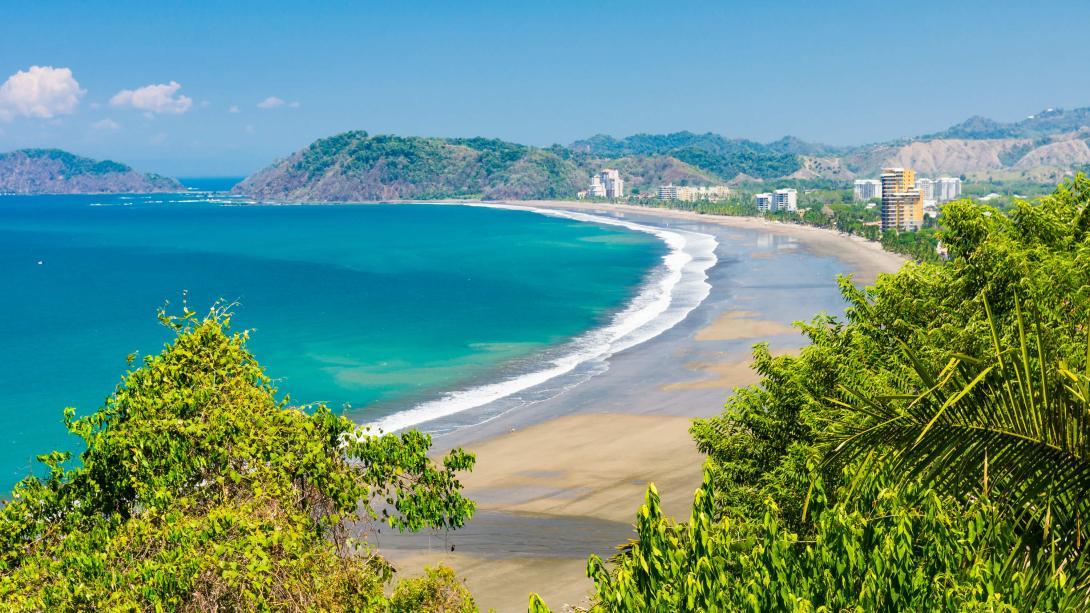 Vue de la plage de Jaco au Costa Rica.